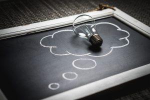 pensée créativité idée ampoule